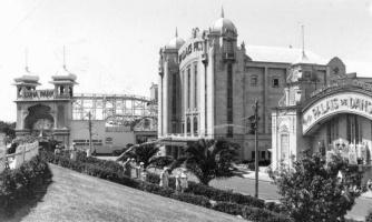 Palais_Theatre_1930s_300x300_full
