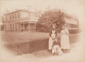 Servants at Como House