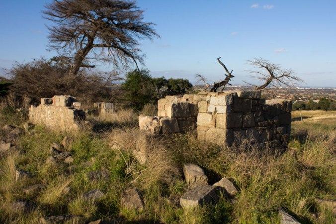 dundonald_ruins_gellibrand_hill