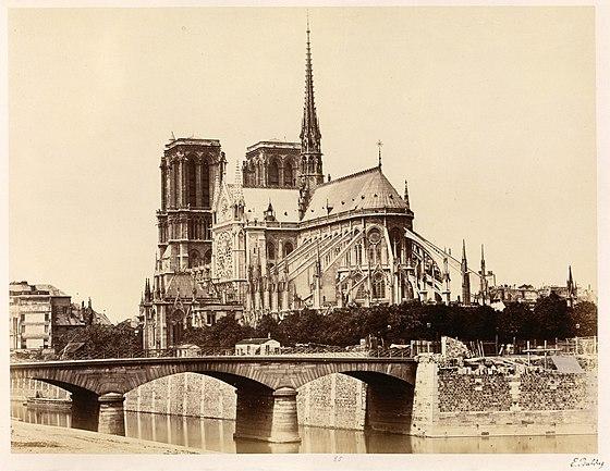 560px-Édouard_Baldus,_Notre-Dame_(Abside),_1860s_-_Metropolitan_Museum_of_Art.jpg