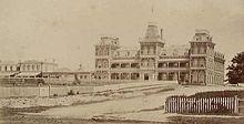 220px-Admans_grand_hotel_queenscliff_in_1882