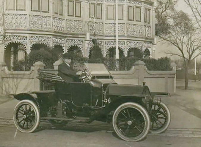 Dr_Alexander_Aitchison_at_Albert_Park_2_xd4qes