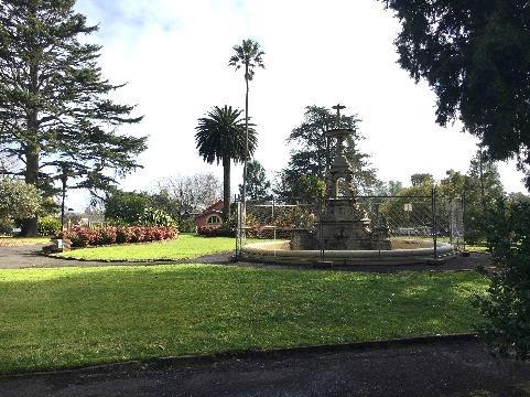 hamilton bot gardens fountain.jpg