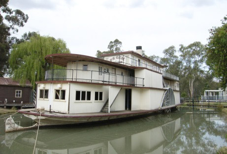 paddle steamer gem swan hill.jpg