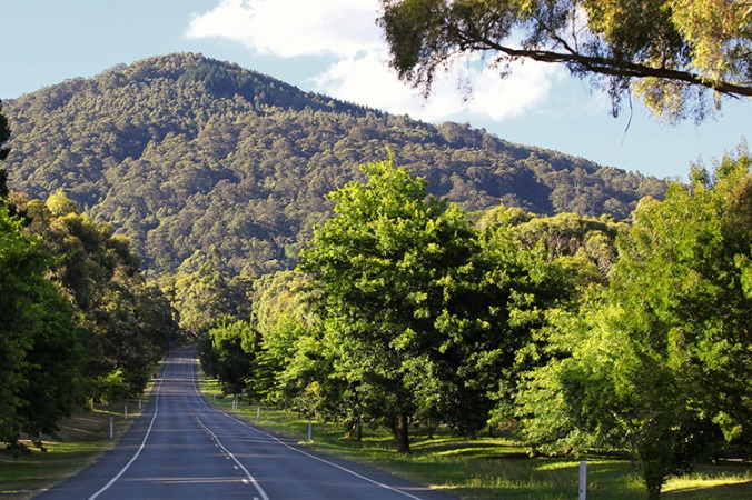 visit-macedon-ranges-mount-macedon-road.jpg
