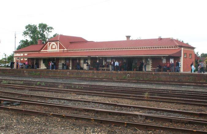 Benalla_station_building.jpg